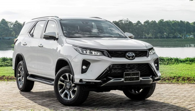 Toyota Fortuner Legender 2020